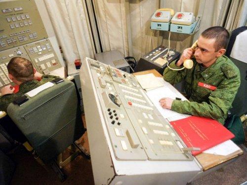 Военнослужащие на службе