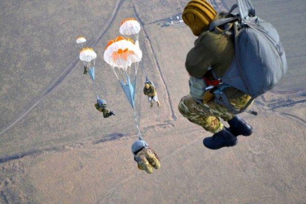 Прыжок с парашютом в армии