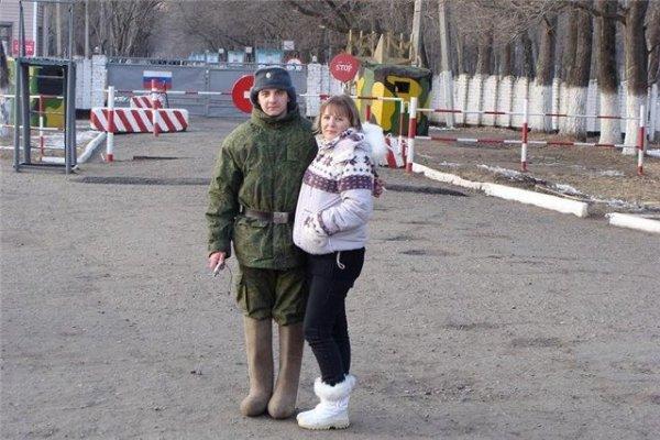 Солдат и родственник