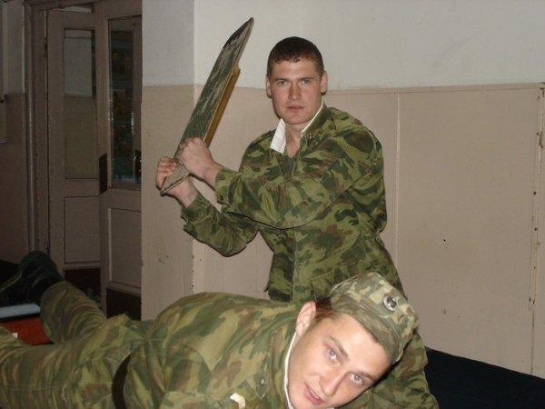 Получение неуставного звания в армии